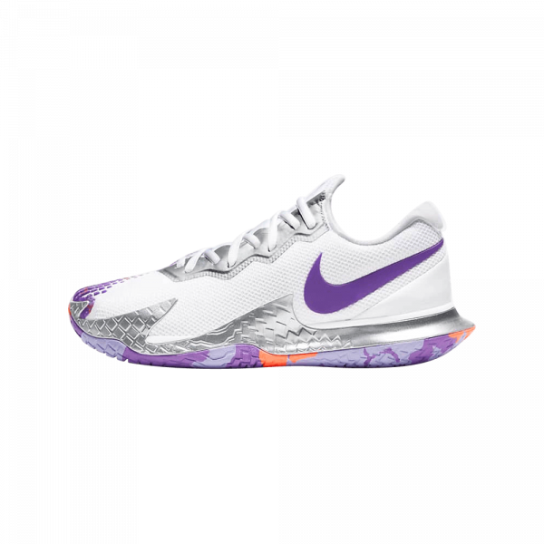 Nike COurt Air Zoom Vapor Cage 4 | Purple/Wild Berry. White and purple padel shoes from Nike.